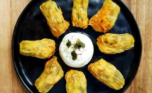 Συνταγές του Μανώλη Παπουτσάκη από το Χαρούπι